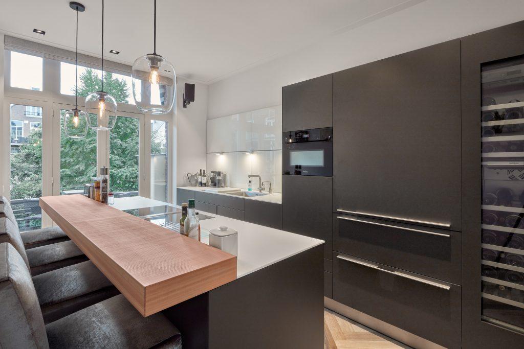 Keuken van Buthaup ontwerp op maat gemaakt door architect Maxim Winkelaar te Amsterdam.