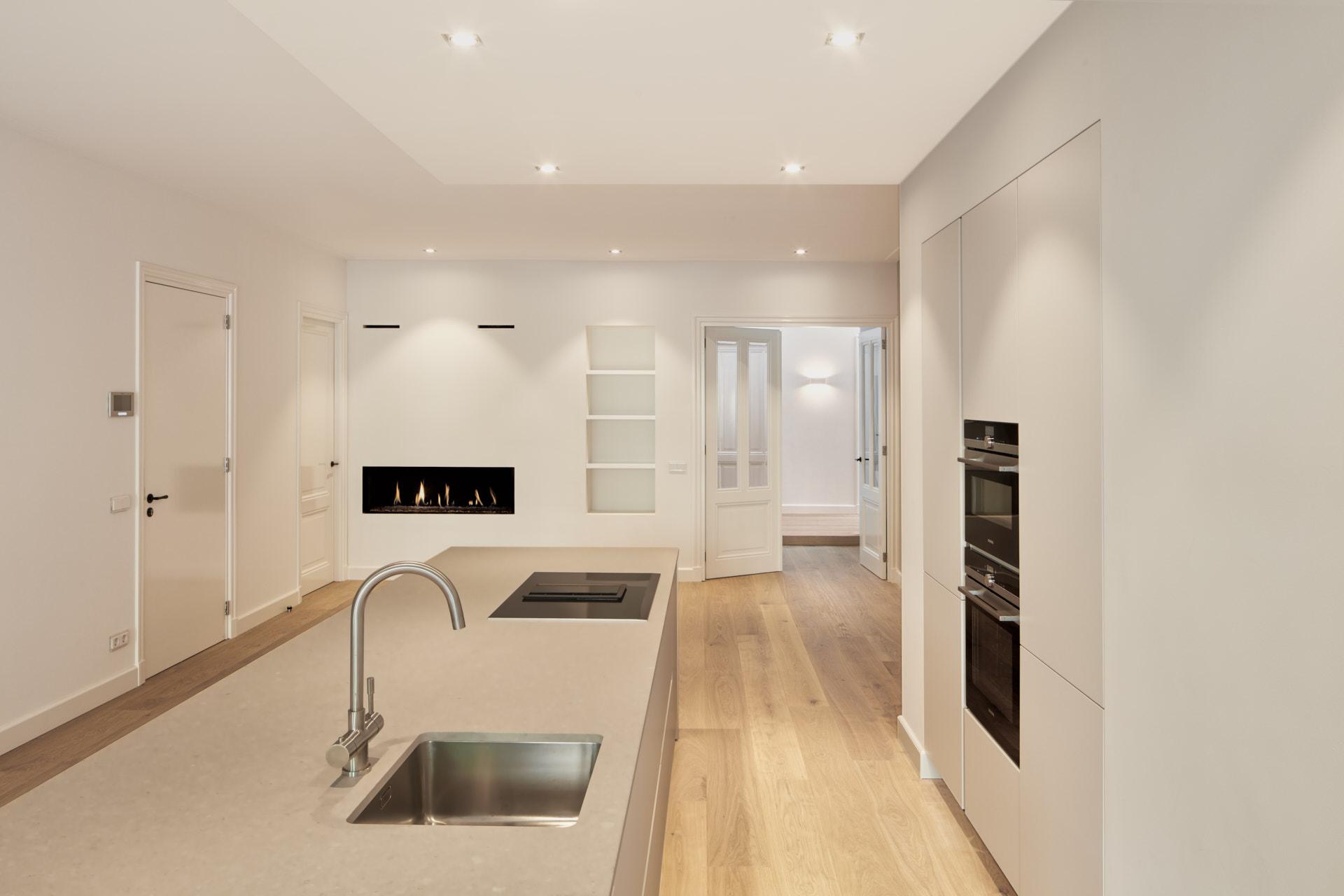 Interieurontwerp en renovatie van een loft appartement in het centrum van Amsterdam door architect Maxim Winkelaar.