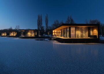 Vier waterwoningen Kortenhoef Haven Lake Village door architect Maxim Winkelaar