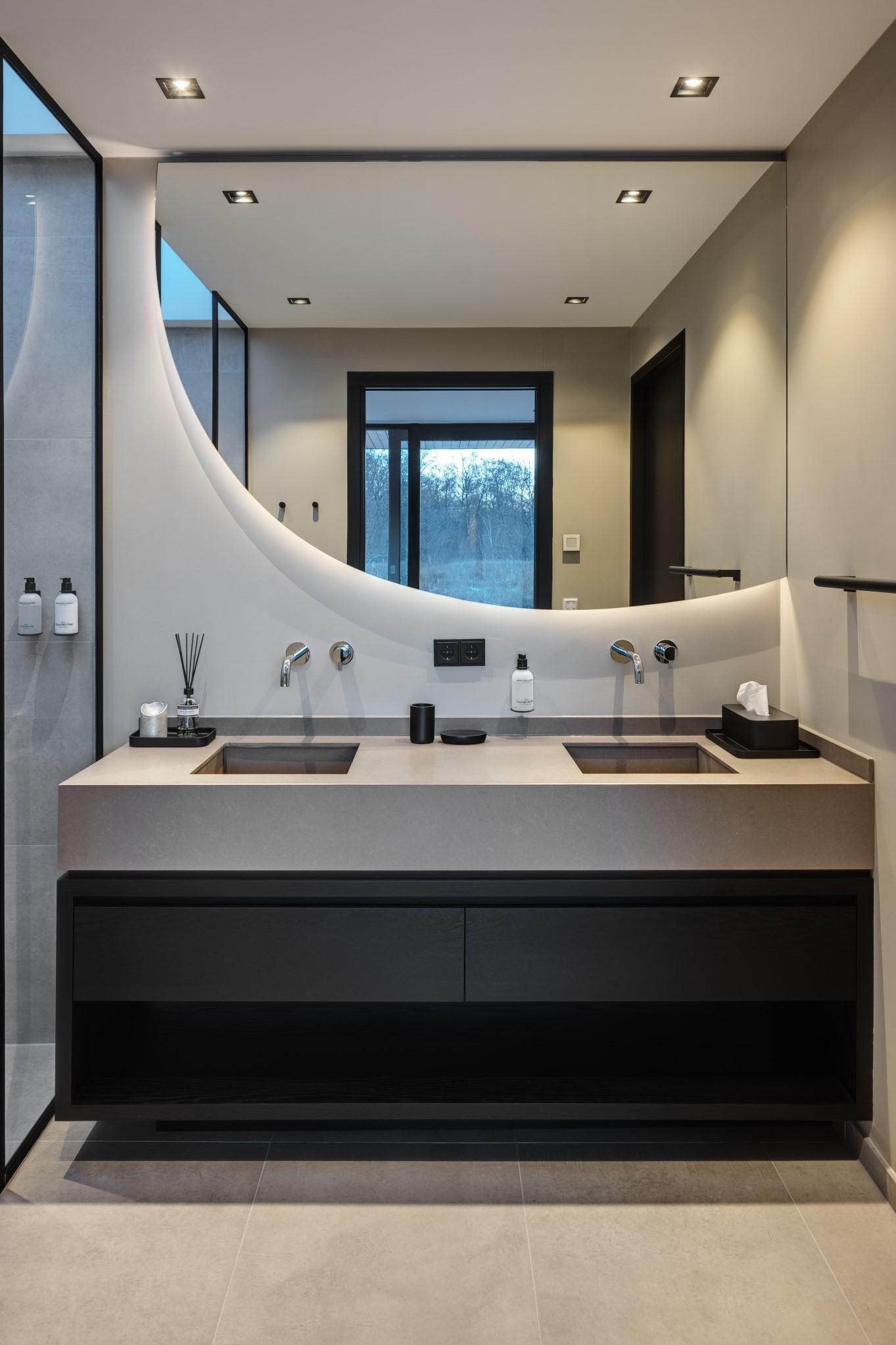 Badkamer van Haven Lake Village in Kortenhoef ontwerp door interieurarchitect Maxim Winkelaar.