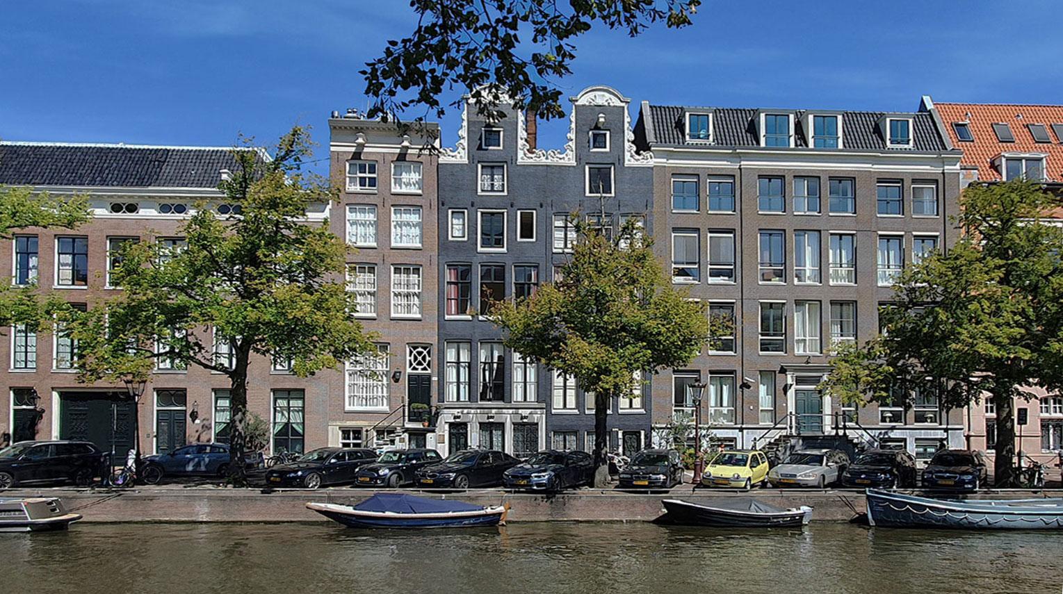 Architect Maxim Winkelaar ontwikkelt en renoveert grachtenpand in Amsterdam aan de Keizersgracht.
